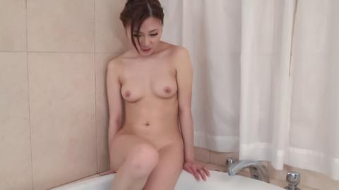 Maki Horiguchi uses Asian vibrator in solo scenes - JavHD